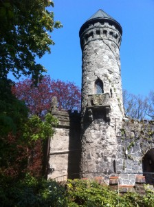 Burg Henneberg Drei